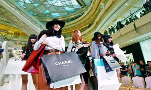 Rise in disposal income leads to growth of luxury apparel market